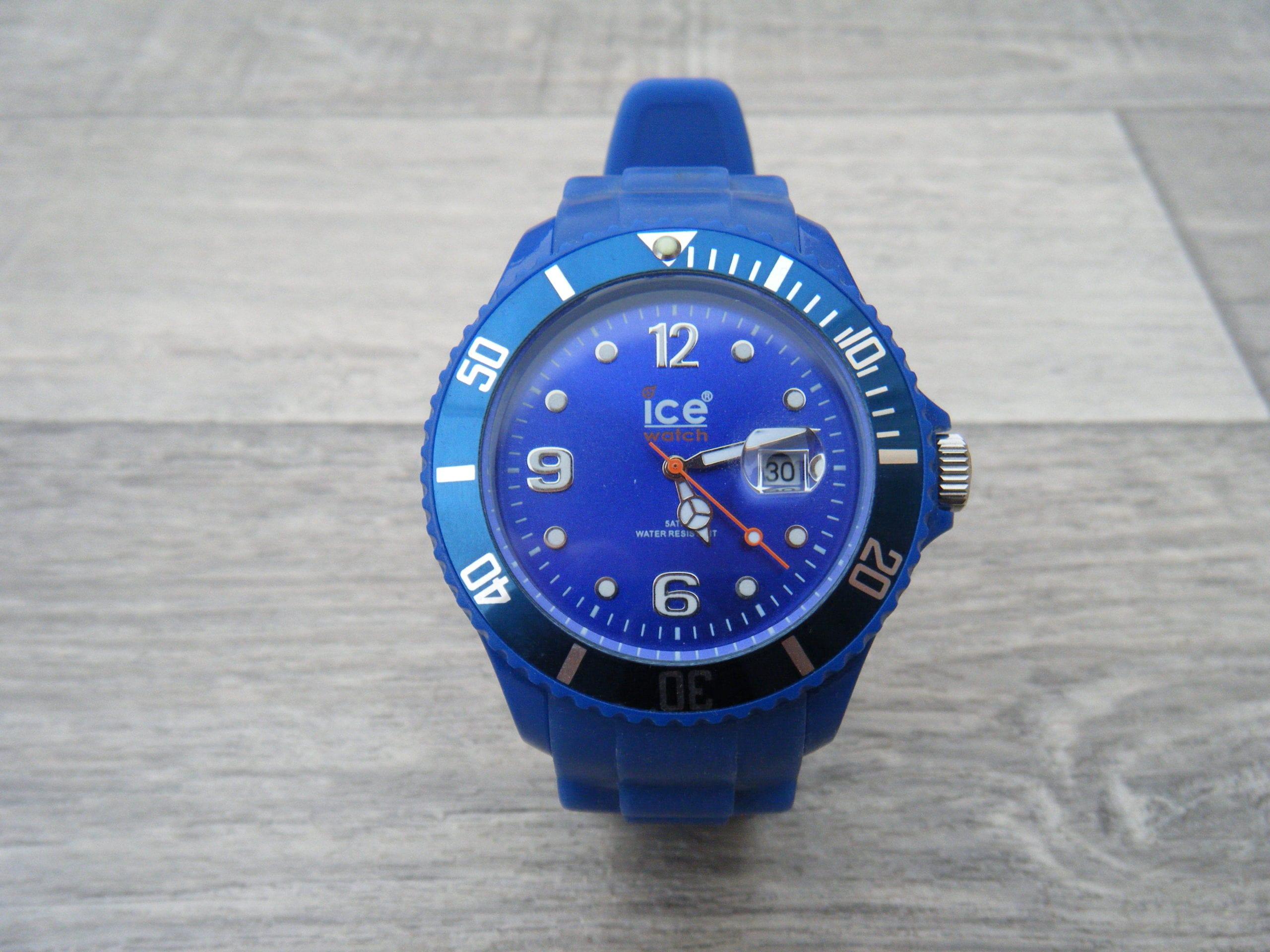 Montre ice watch bleu le barboteur - Montre ice watch bleu turquoise ...