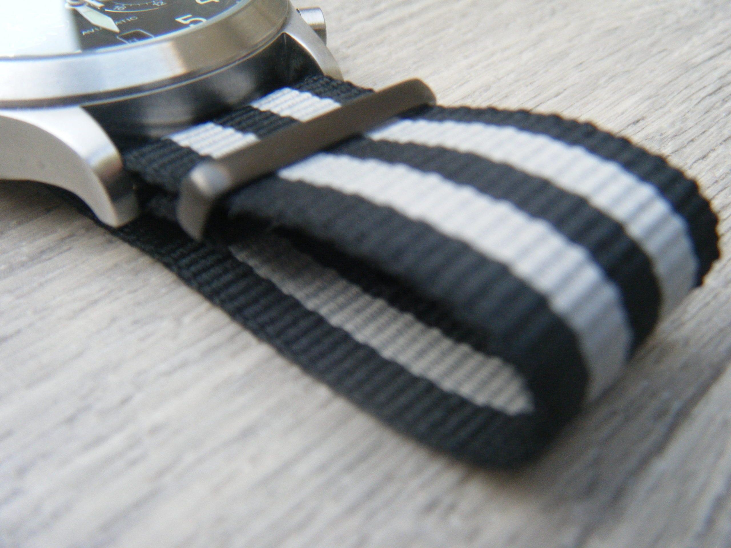 quel bracelet de montre choisir le barboteur. Black Bedroom Furniture Sets. Home Design Ideas