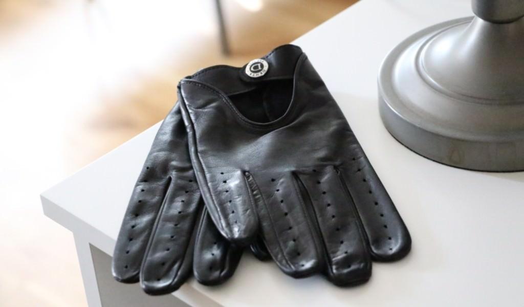 gants-noir-de-conduite