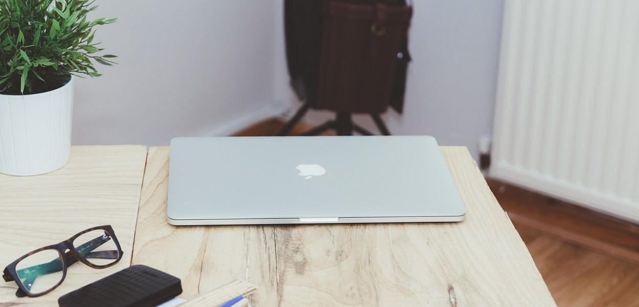 macbook-926192_1280