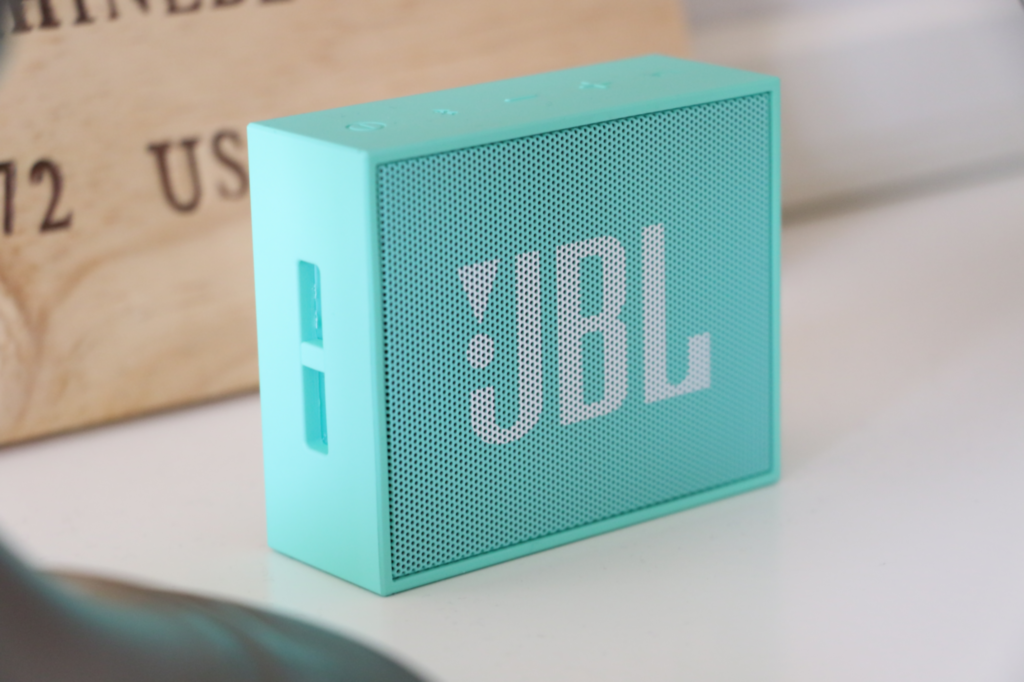 enceinte portable jbl go le barboteur. Black Bedroom Furniture Sets. Home Design Ideas