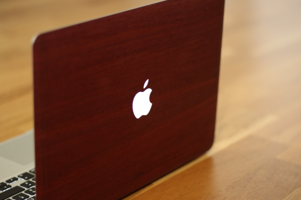 coque-en-bois-glitty-pour-macbook-air-et-pro