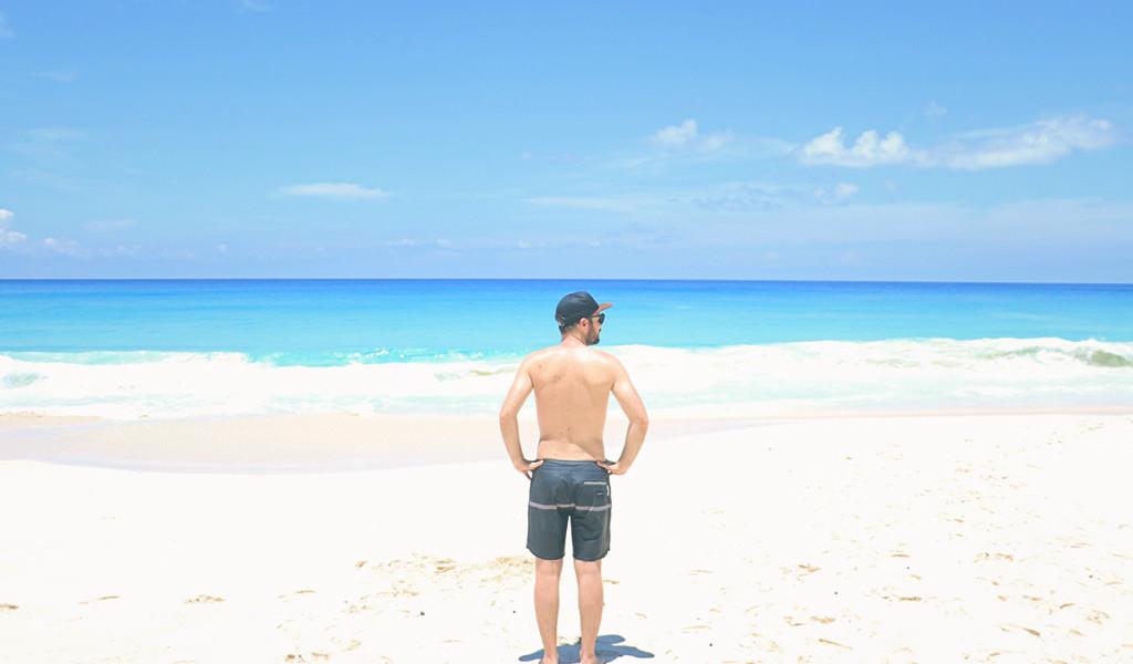 mahe-seychelles-voyage-le-barboteur-maillot-quiksilver
