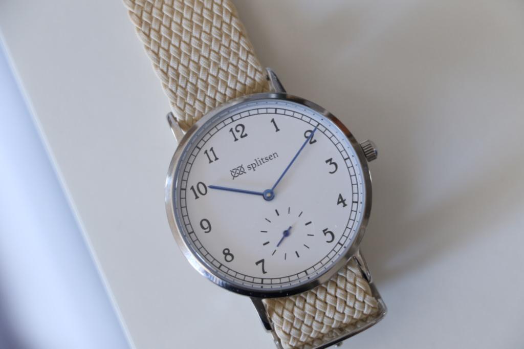marque-de-montre-minimaliste