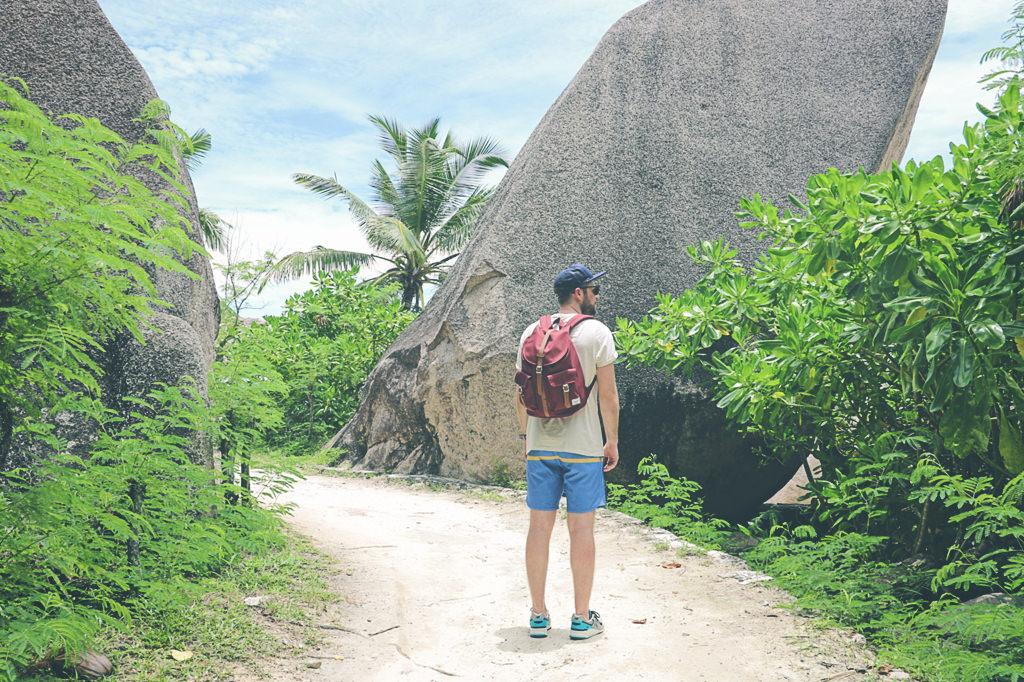 plage-la-digue-seychelles-eau-turquoise