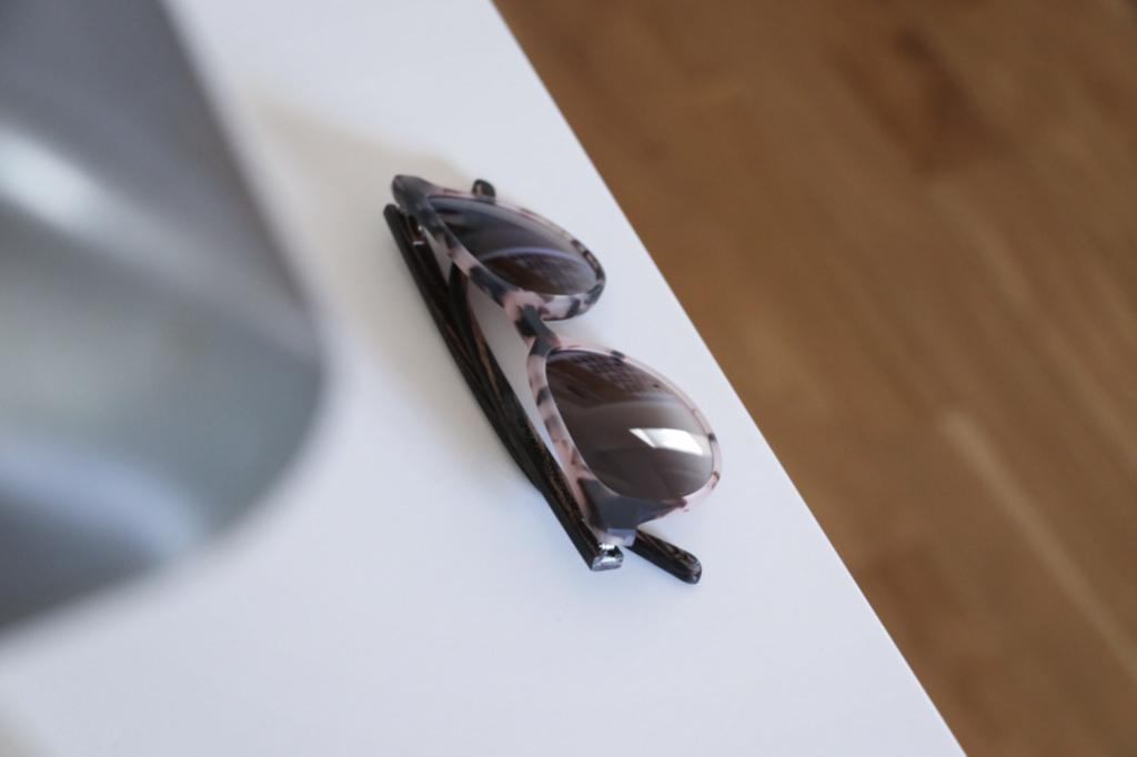 lunettes-en-ecailles-en-bois