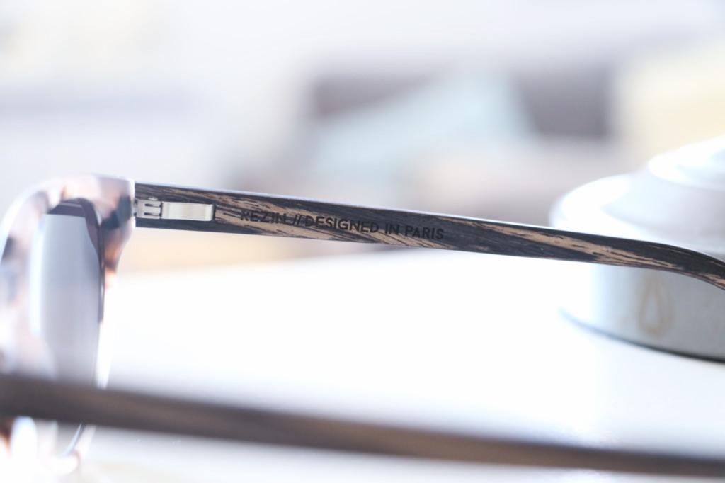 marque-lunettes-en-bois
