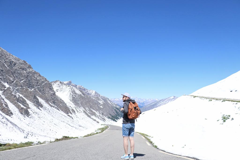 sac-eastpak-montagne