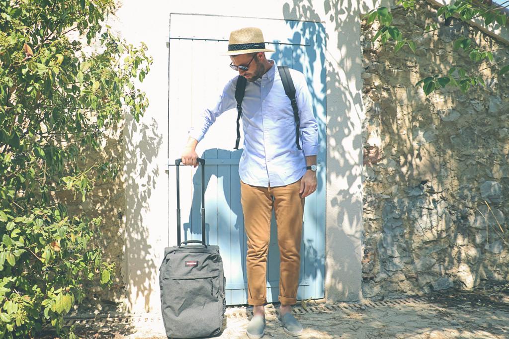 valise-eastpak-chapeau-stetson-espadrilles-castaner