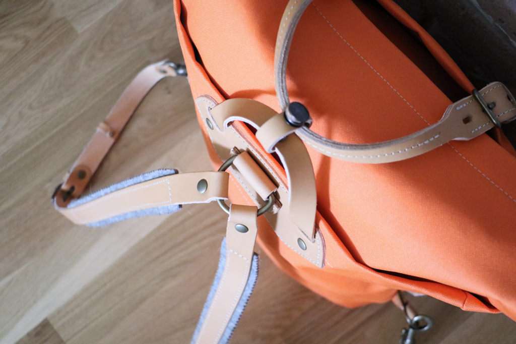 bleu-de-chauffe-sac-orange-marron