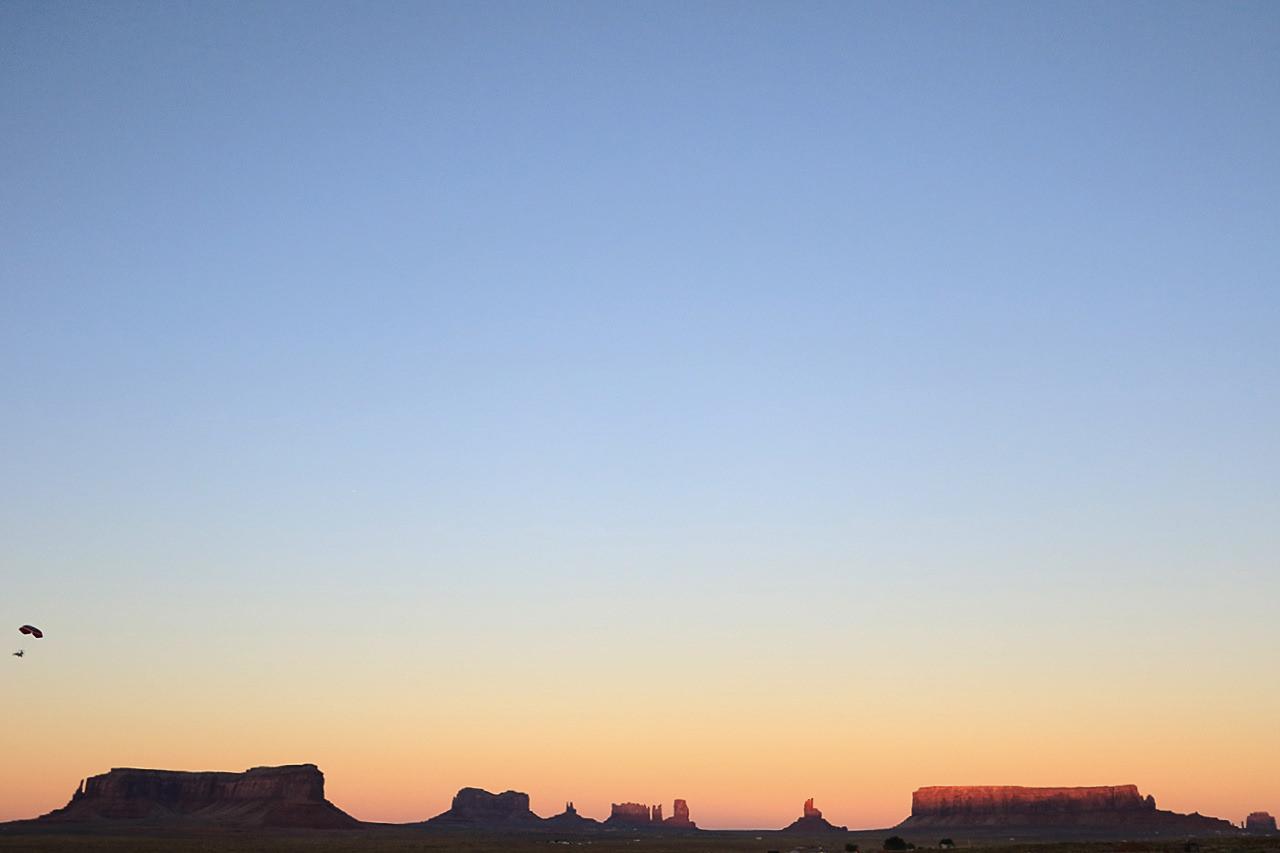 coucher-de-soleil-monument-valley