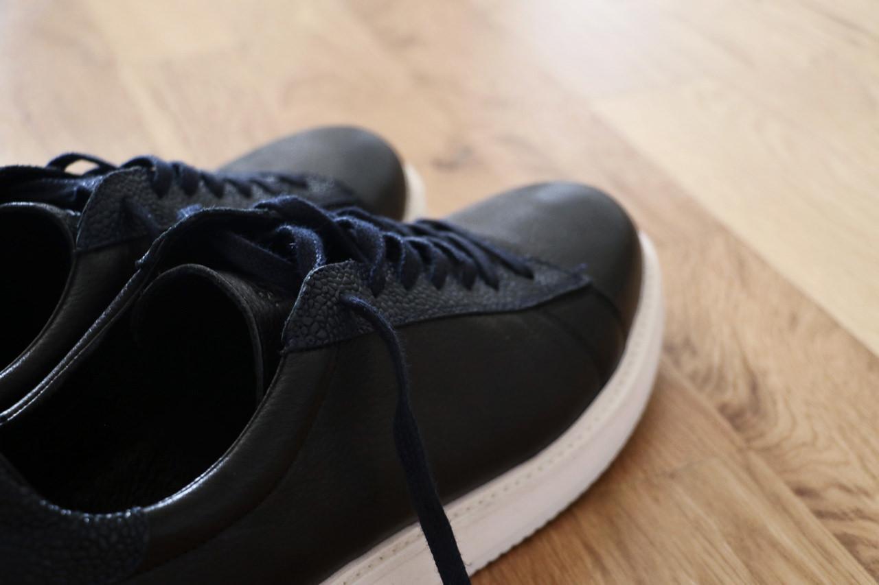 sneakers-en-cuir-noir