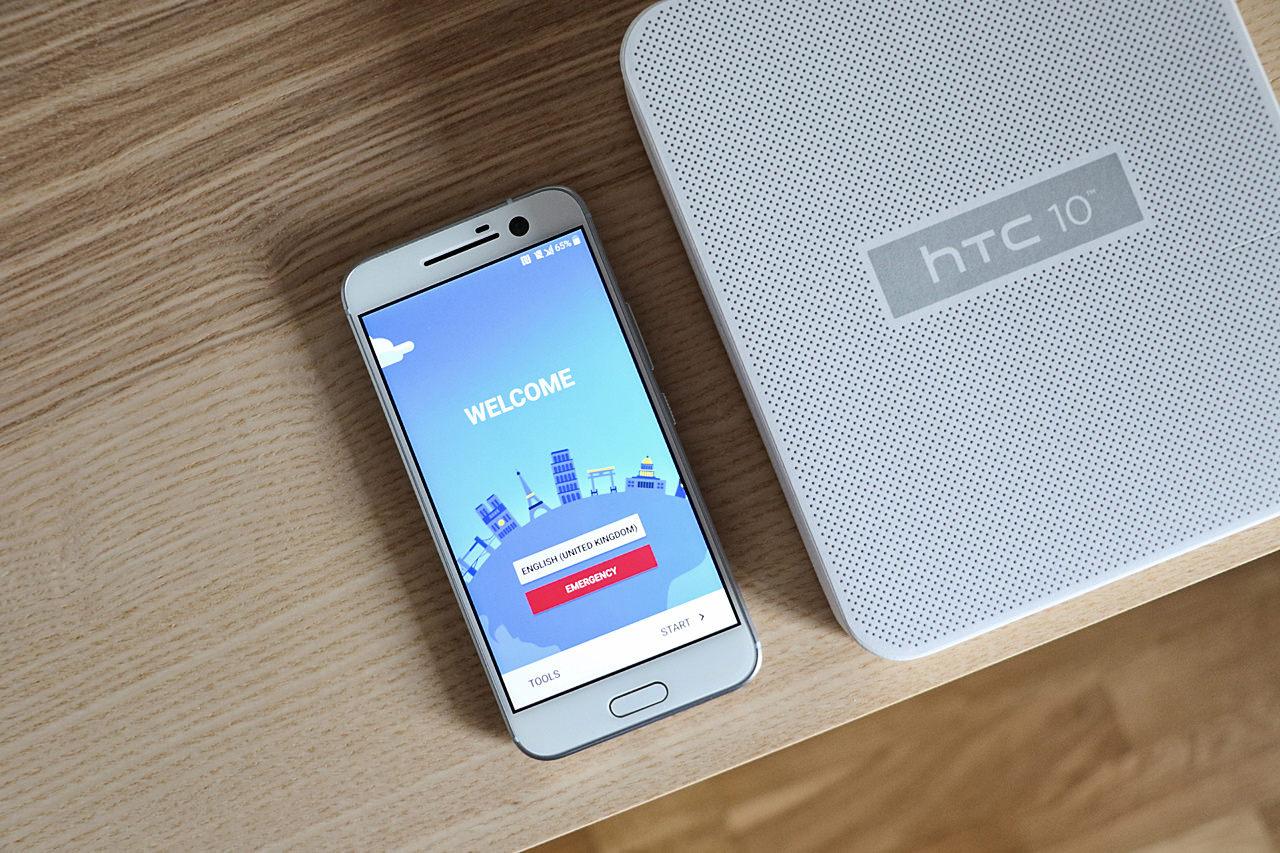 smartphone-htc-10-blanc