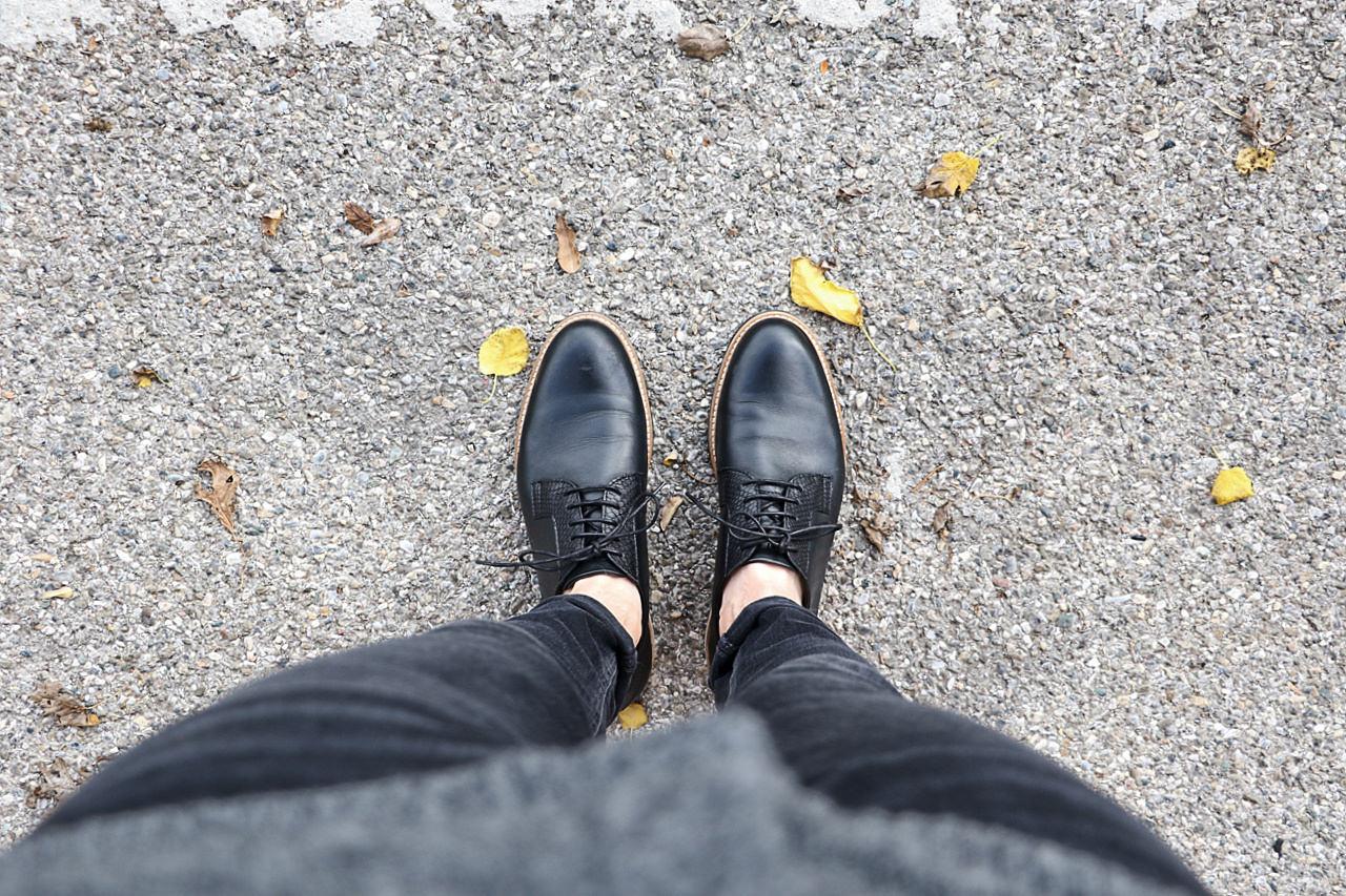 subtule-shoes-black