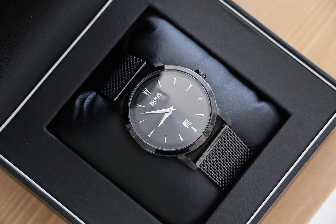 acheter et vendre authentique montre hugo boss homme