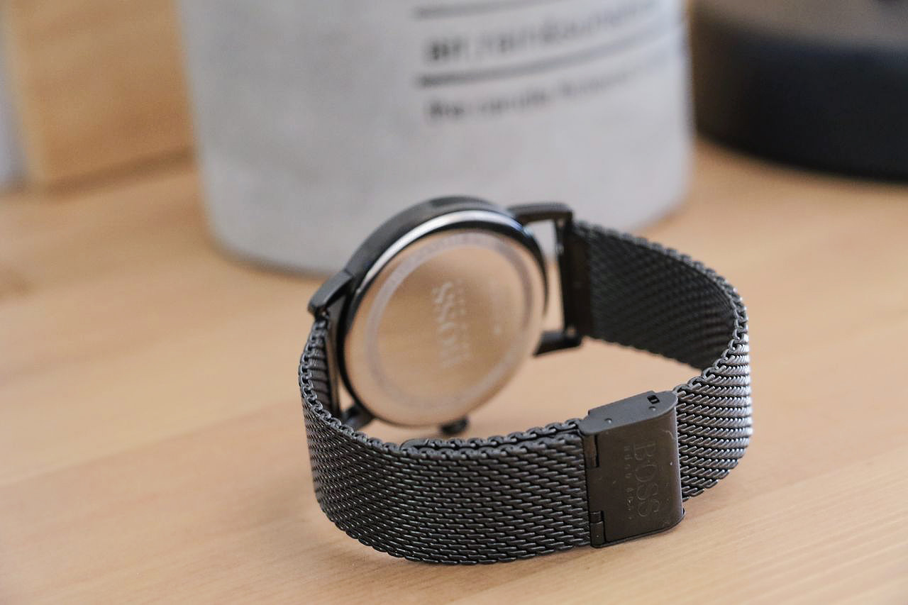 boss-watch-slim-black