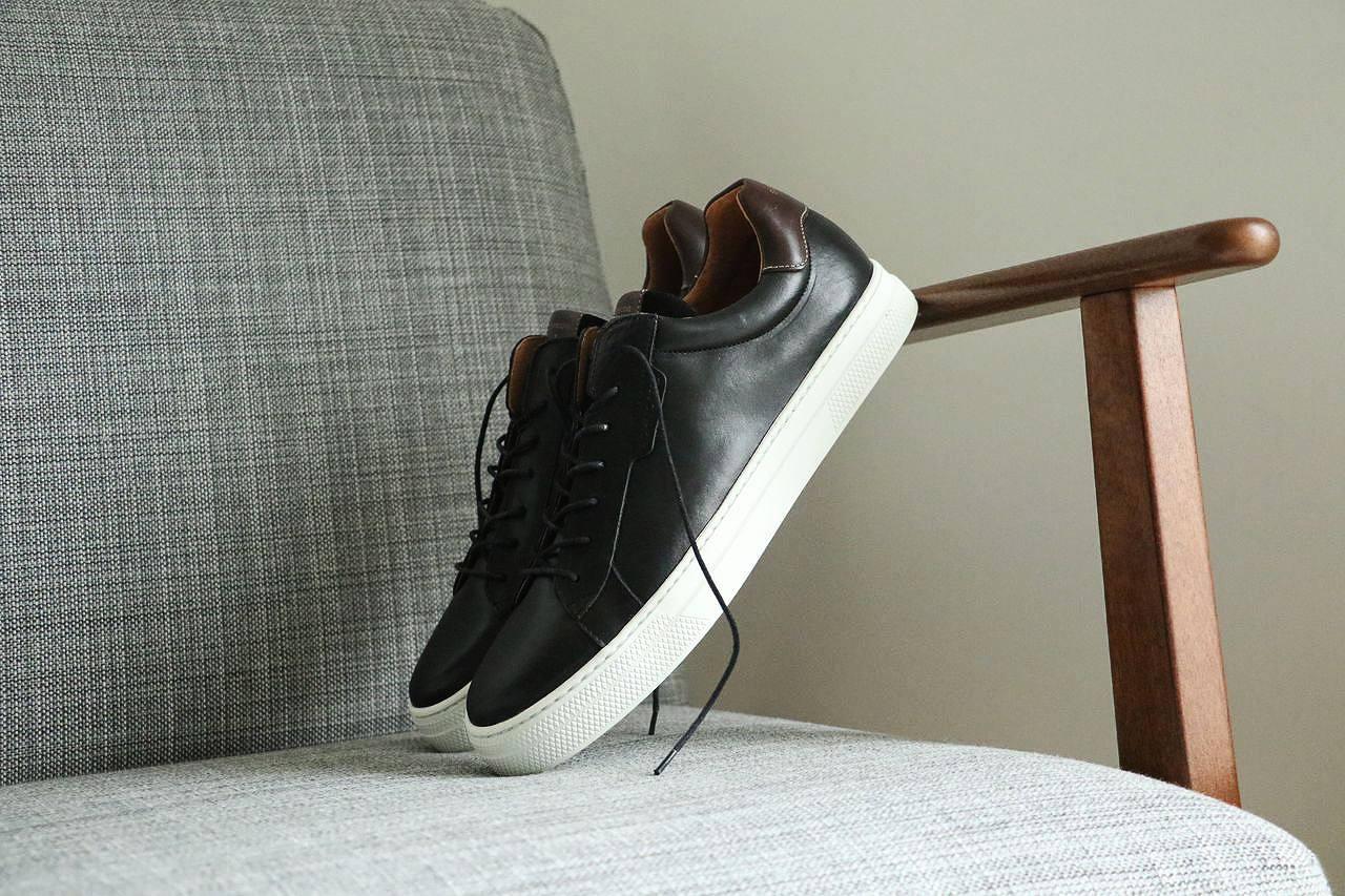 baskets-noir-en-cuir