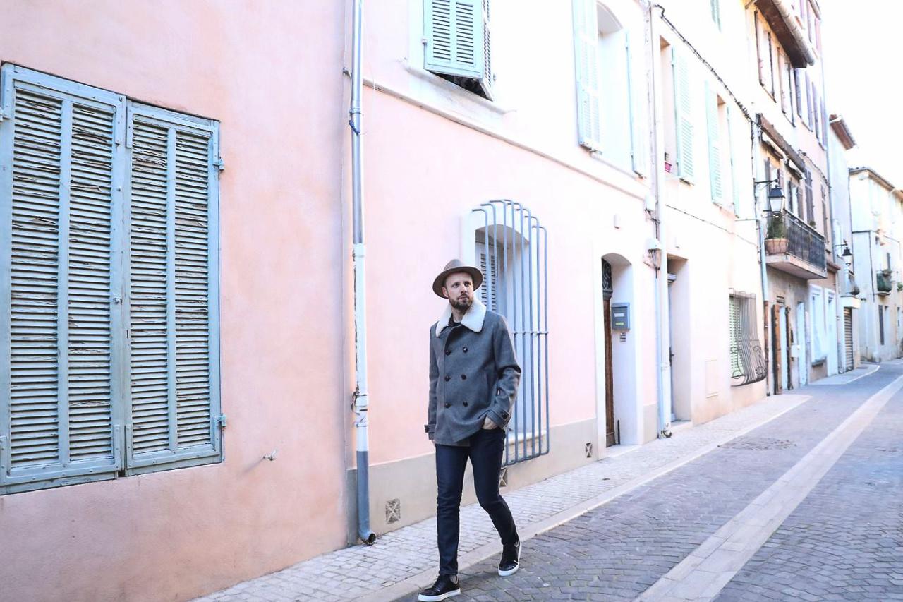 look-homme-avec-chapeau