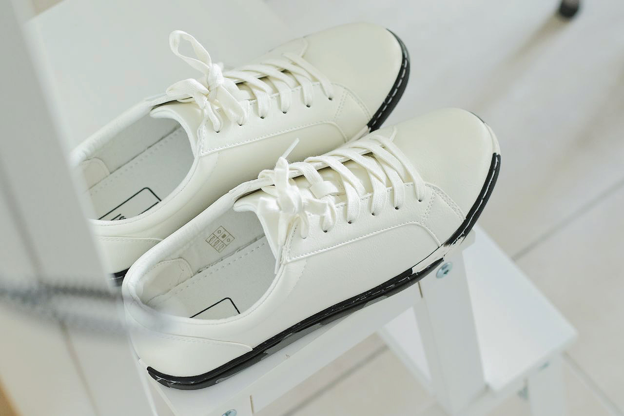 sneakers-blanches-pour-homme