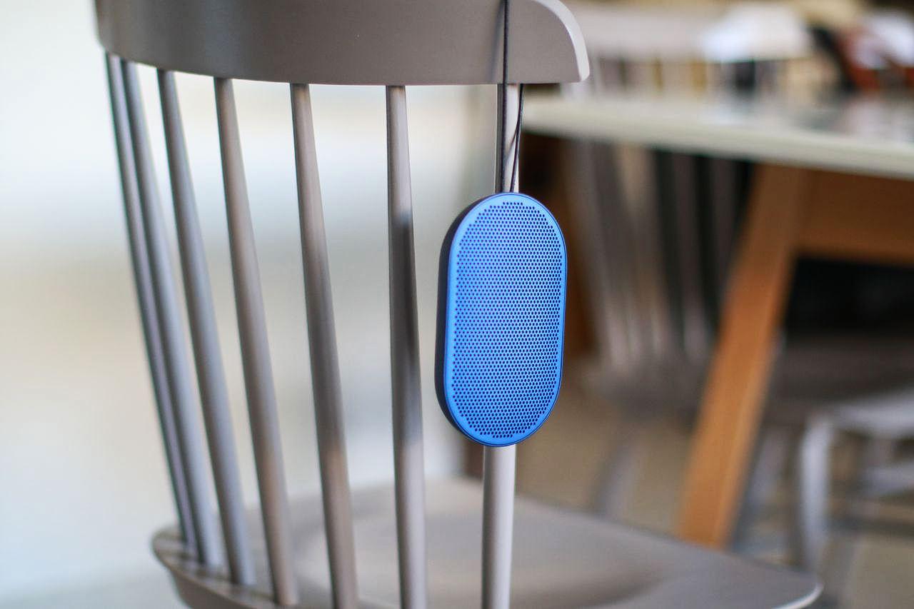 enceinte bluetooth b o play p2 big sound small speaker. Black Bedroom Furniture Sets. Home Design Ideas