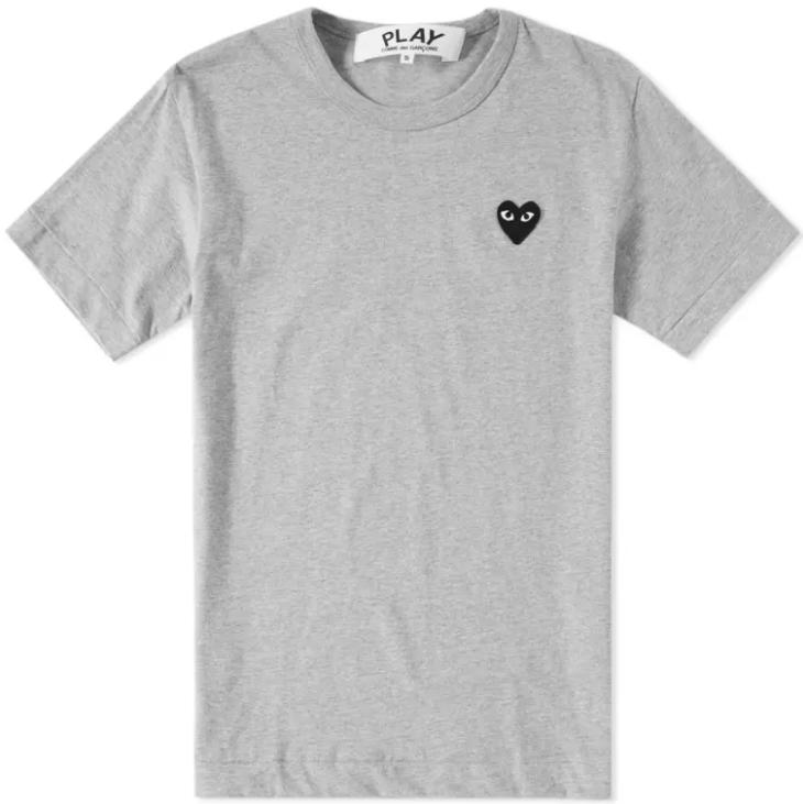 pull avec un coeur marque